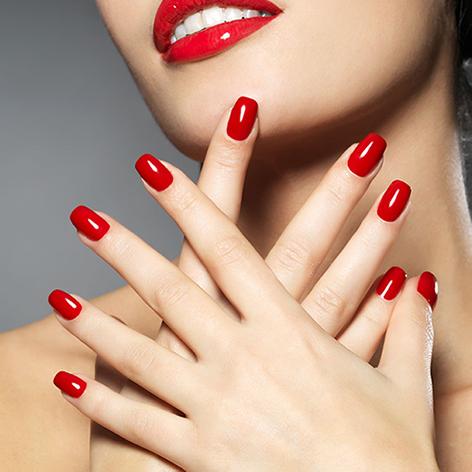 rode gelakte nagels